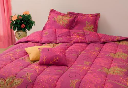 couettes polycoton imprim es double face. Black Bedroom Furniture Sets. Home Design Ideas
